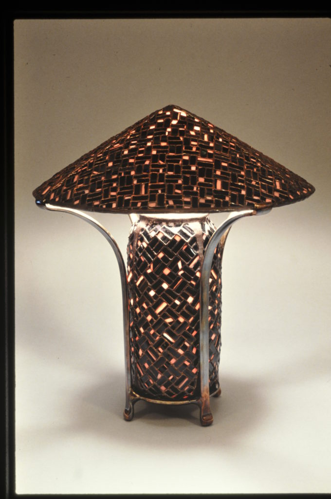 Pink and Black China table lamp1989